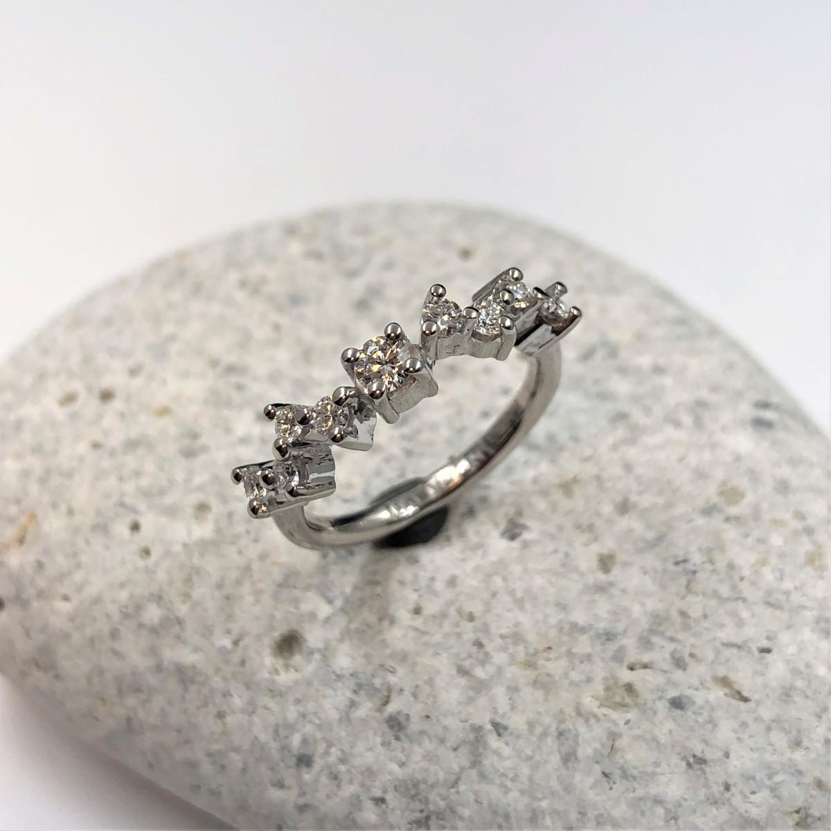 Vitguldsring, briljantring, diamantring