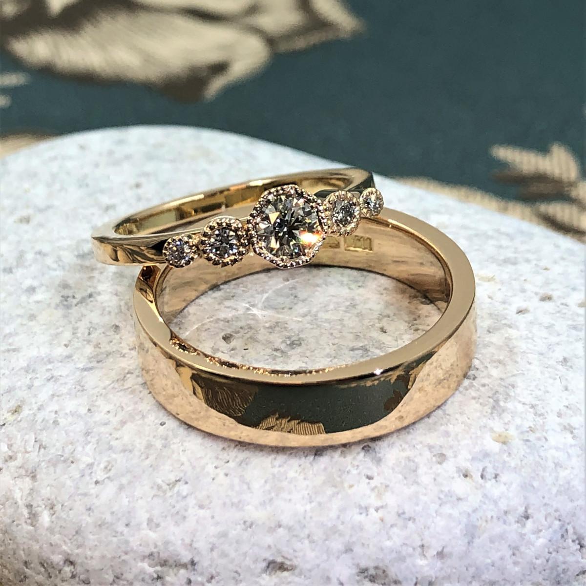 femstensring, diamantring, förlovningsring