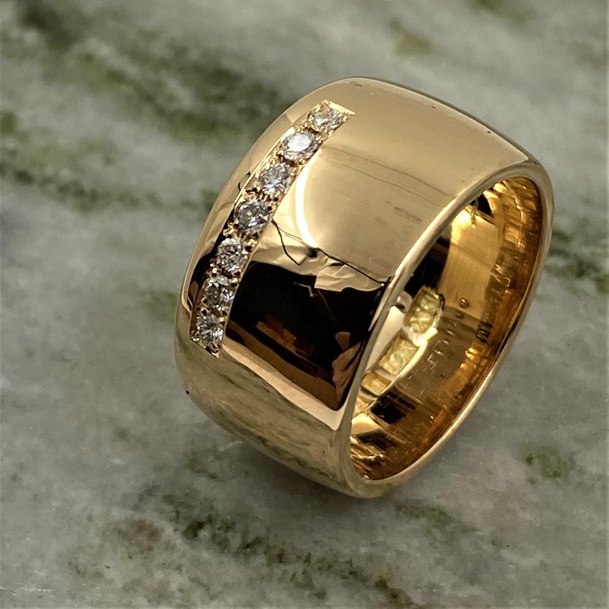 Diamantring,guldring, bred ring