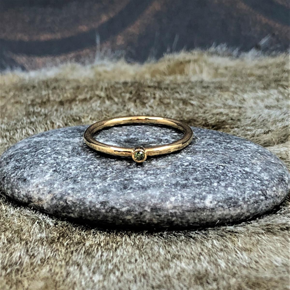 Månadsringar, guldringar, grön diamant