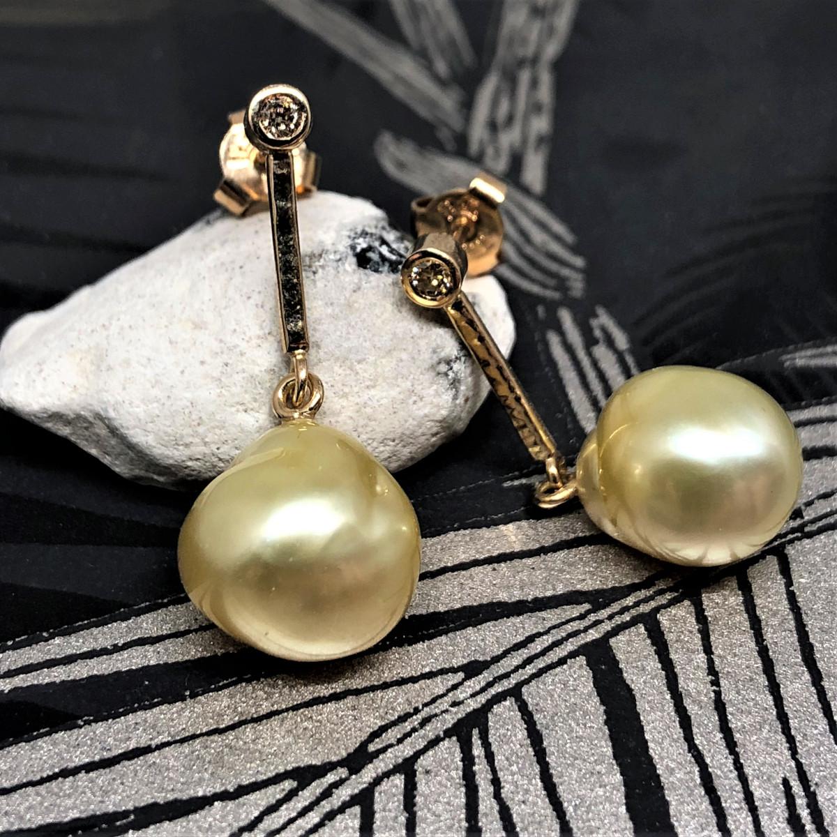 Guldörhängen, hängande örhängen, gula pärlor