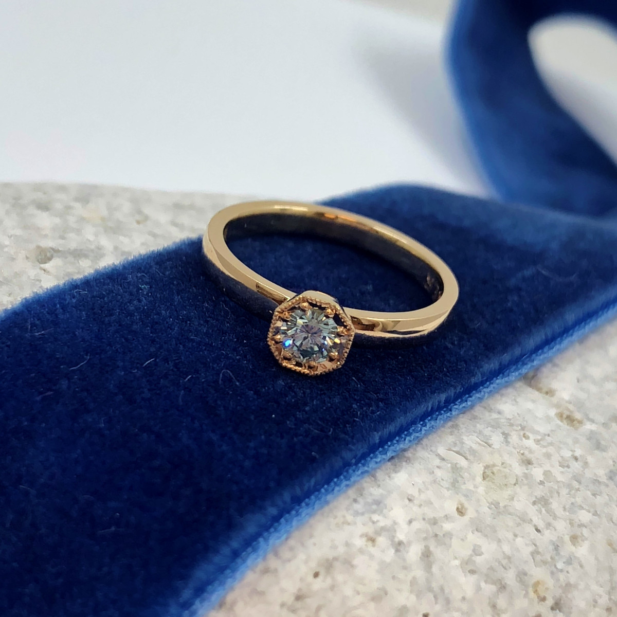 Blåa diamanter, alliansring, vigselring