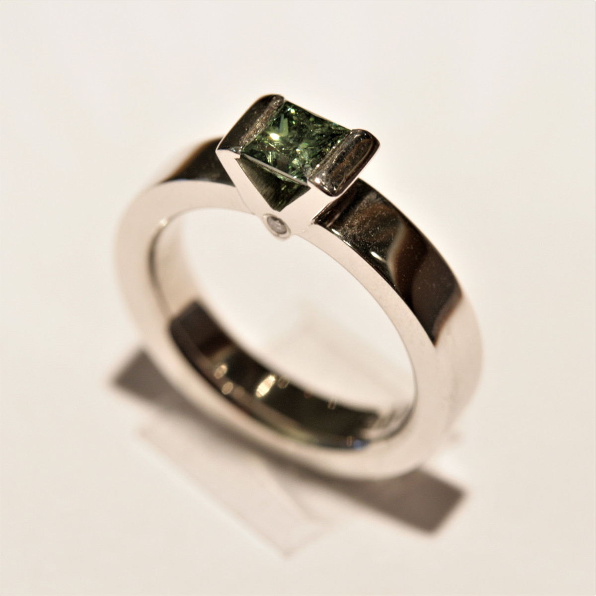 Grön diamant, vigselring, diamantring